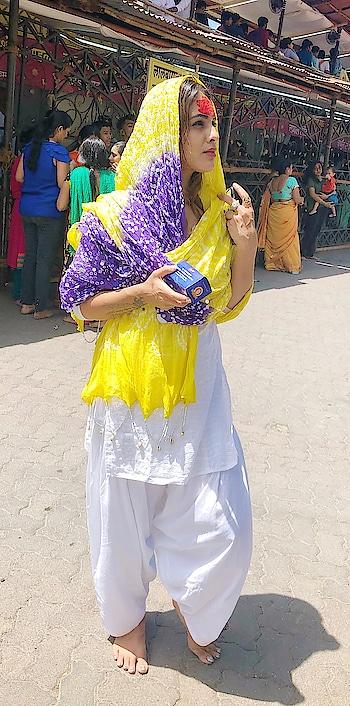Blessed after Supernaturalize Darshan at LALBAUG CHA RAJA 🌼🌼🙏🙏 : blessings #prayers #ganpati #lordganesha #ganeshchaturthi #ganeshchaturthi2018 #festival #indianfestival #ganpatidarshan #lalbaugcharaja2018 #modak #prasad #blessedday #happy #happyganeshchaturthi #gbu #stayblessed #lordganesha #blessyou #indiangirl #mumbai #nehamalik #model #actor #diva #blogger