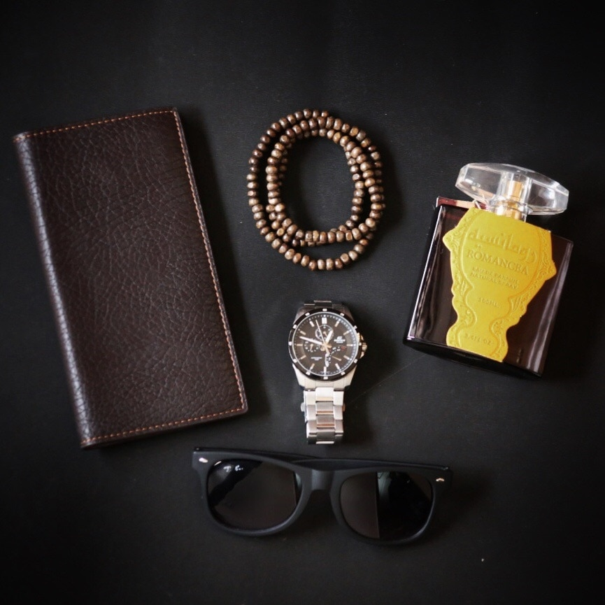 Weekend Essentials #FlatLay #TheUrbaneLion