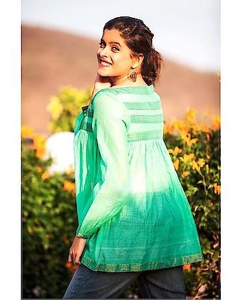 The summer state of mind 🌱🌿🌳  #vaibbhavip #vaibbhavipinc #ethicalfashion #summerwear #ootd #sunkissed #green #springsummer #fashion #fashiongram #fashionista #fashionmodel #indiantextiles #handloom #eazybreezy #mystyle