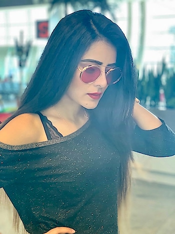 GANDHIDHAM HERE I COME For Garba Raas Event at Heena Bollywood Navratri Nexus Club...😍😍💃💃   #RehaaKhann #DohaQatar #MyDubai  #AmchiMumbai #Bollywood #Tollywood #Model #Actress #RehaaKhannBlogger #RehaaKhannQueenlife #RehaaKhannPublicfigure #RehaaKhannStylefile #RehaaKhannFashion #RehaaKhannWithclass #RehaaKhannFans #Gandhidham #navratri2018 #dandiyaevent #Ootn #likes4like #comments4comment #follow4followback #Business #Person #Media #Production🏡