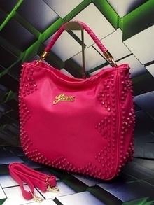 #guess #handbag #handbaglove #purse  To Order DM or Whats app  +91-8284997819