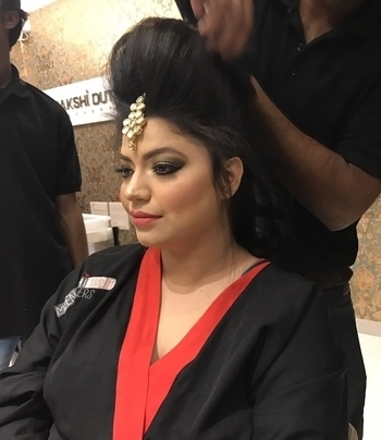 Getting all ready for my ethnic look for a wedding in the family   Guys follow me for latest updates on fashion, food , travel and lifestyle on Instagram- username is hoppingniskani And link is  https://www.instagram.com/hoppingniskani/  Facebook- page name is hoppingniskani And link is  https://m.facebook.com/Hoppingniskani-449815755191954/   #glitteryeyes #lehenga #lehengacholi #indianweddings #kundanjewellery #smokeyeyeshadow #smokyeye  #hairstyles #puffhair #puffhairstyle #fashionblogger #fashion #trendy #delhi #indianblogger #fashionbloggerindia #latestfashion # #trend #beautiful #fashionaddict #fashiondiaries #fashionable #fashionblog #fashionlover #fashiongram #fashionbloggers #fashiongirl #meenaksidutt #meenakshiduttmakeoversdelhi