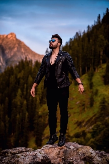 Its time to kill all the insecurities and fly . . .  . . #trendingfashion #fashionblogger #fashion #travel #photography #influencer #indianfashion #fashionbloggerindia #traveller