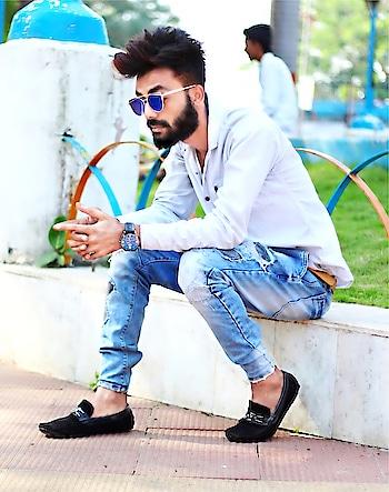 ✔️or ✖️memories  #blogger #fashion #fashionhub #gentalmenfashion #thebeardgodfather #beardedmodel #beardgang #beardsofinstagram #syedsufiyanbeard #beardo #fashionbeard