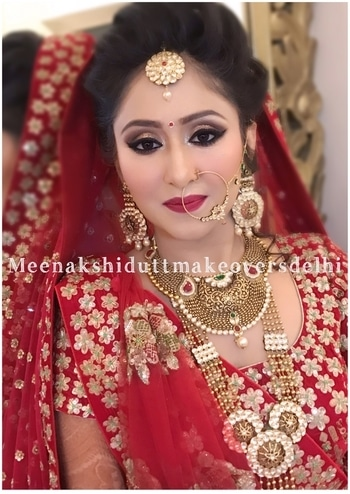 Stunning traditional bride #meenakshidutt #meenakshiduttmakeoversdelhi #muadelhi #makeupartistindia #eye-makeup #bridal #bridalmakeup #bridalmakeupartistindia #weddingmakeup #bridal makeup #indianbride #indianbridalmakeup #bridallook #hairandmakeup #makeupacademy #hairandmakeupacademy