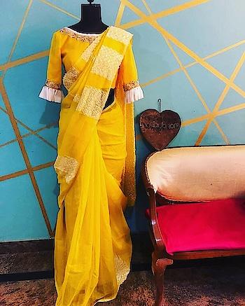 Some classic matka silk weaves from our design house ! #archithanarayanamofficial #bridalcouture #6yardsofelegance #sarees #frills #pleats  #gold #silver #embellished #stylish #zippers #blouses #woven #white ##prewedding #postwedding #matkasilk #love #classic #elegant #getyourhandsonthem