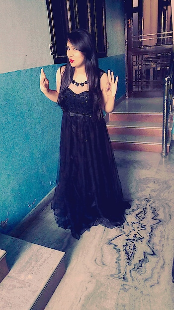 #blackloverforever #partylook #evening-gown #roposogal #roposo #rosposoblogger #ropo-style #roposo-fashiondiaries