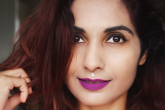 Weird expressions but I love the shade! 💜 Reviewed this one on the blog! Direct link - https://goo.gl/okEWBT   @trysugar Smudged Me Not Liquid Lipstick in Vivid Orchid  #sugarcosmetics #smudgemenot #vividorchid #beautyblogger #indianbeautyblogger #violetlips #purplelipstick #gurgaonblogger #delhiblogger #liquidlipstick #ShailySingh #RougePouts
