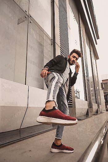 You've got to go out & kick ass👟 . . . . .  #kartavyamakwana #lancershoes #mylancer #comfortable #becomfortable #knitwearcollection #buylancer #knitbylancer #KnitHaiTohFitHai #shoes #footwearindustry #fit #Shoesaddict #Shoestyle #shoesshopping #shoesfashion #Shoeswag #Shoesph #Shoestagram #shoeslovers #shoeslovers #comfort #knitwear #style #Styleoftheday #Styleinspiration  #Shoesforlife #Handcrafted