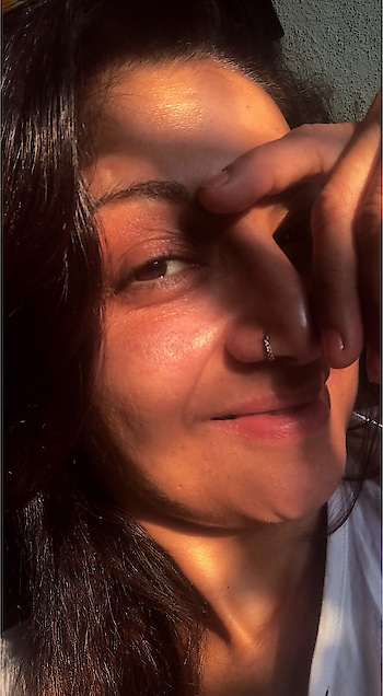 Its the sunlight Which shines ... YOU ARE JUST PIECE OF THAT EARTH WHICH YOU HAVE TO RETURN BEFORE YOU LEAVE FROM THIS EARTH ... STAY GROUNDED & SMILE  #nomakeup #nofilter #simple #raw #me #stayhumble #loveall