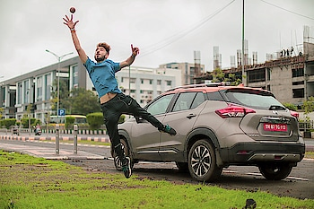 Catching cricket ball 🎾 and monsoon vibes with the one and only #NisaanKicks giving me comfort and rain sensing wipers works perfect..I mean what else do you need💕 @nissan_india #CWC19 #StrokesOfCricket . . . #kartavyamakwana #nissankicks #fashion #fashionmodel #casual #blogpost #blogger #indianblogger #suratblogger #suratinfluencer #menswear #menstyling #trend #trending #boots #potrait #hairstyleformen #gosupafly #hairstyle #haircolor #india #surat .