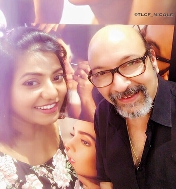 Happen to be at one my favourite makeup store @maccosmetics and guess who I bumped into. Dammmm!! I was on the seventh heaven meeting Mr @mickeycontractor  Such a humble person. No fuss of a celebrity. I'm a fan of his makeup looks and the way he makes it look so simple and easy. Wish I had some more time to interact with him and get some beauty tips. . . . Follow @tlcf_nicole for more fashion stories . . #delhibloggergirl #lookbook #thestyledge #fashionblogger #fashiongram #fashionista #fashionandstyle #styleblogger #style #tlcfnicole #makeup #mickeycontractor #mickeycontractorcollection #mac #maccosmetics #tlcfnicole #fashionblogger #beautyblogger #delhibloggergirl #l4l #follow4follow #followforfollow #likesforlikes