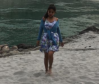 I'm a beach baby  #KABSHOPPE #DeepikaButola . . . . . . . . . . . . . . .  #Blogger #instagood #outfitideas #fashionblogger #fashiongram #delhi_igers #delhifashionblogger #socialmediaqueen #influencer #beachvibes #beachbaby