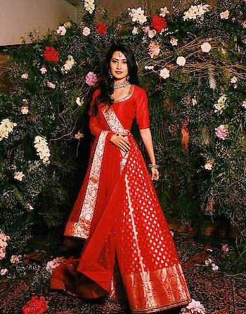 #loveit #redlehenga #dulhanfashion #bridal #noorinsha #juatforfun #bridesofindia