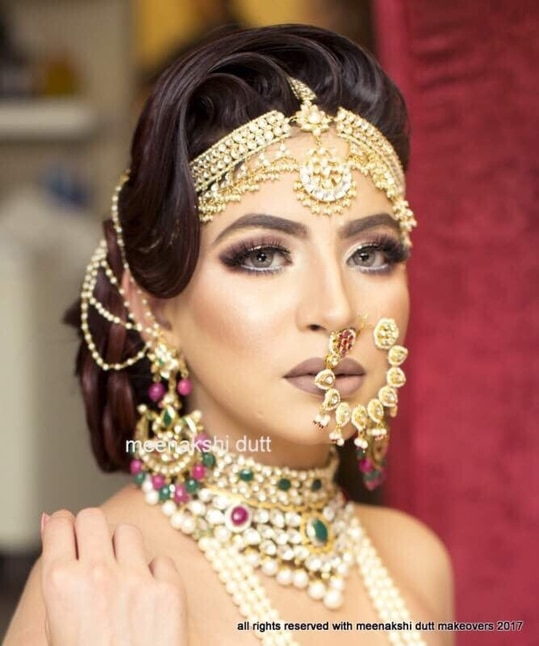 Beautiful look Created at #meenakshiduttmakeoversdelhi by #meenakshidutt #muadelhi #muaindia #makeuptrends #makeupart #makeupartistindia #makeupartistdelhi #makeupacademydelhi #hairandmakeupstudio #bridallook #indianstylist #makeupandhair  #makeup