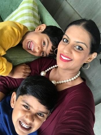 #Mother , #Imageconsultant , #makeupartist, #counsellor #MakeupTrainer , #personalitydevelopment #bangalore #delhi #soroposo #roposotimes #roposoeditorial #worklifebalance #creativepostiveoworld @fentybeauty #foundation #macindia