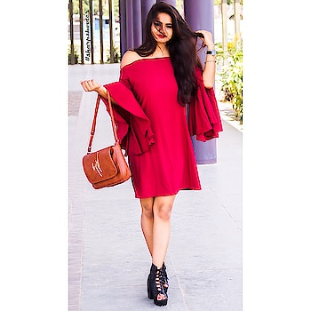 Ruffin' it up with @rareprive . . . . @hardikdafda . . . #fashionblogger #rareprive #oxbloodcolor #reddress #fashionblogger #popxodaily #popxoblogger #plixxo #plixxoblogger #bloggerstyle #windy #breezy #happygirl #happyme #hairgoals #longhair #dress #handbag #ly #offshoulder #outfitoftheday #OOTD #saturdaynight #saturdayvibes