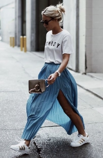 #wednesdaywear   This season wear your tee with your favorite pleated skirt. You can achieve a glamorous look by wearing your favorite stiletto heels, or a casual feel by wearing your outfit.  #streetstyle #wearitright #casualgoeschic #teenfashion #graphic-tee