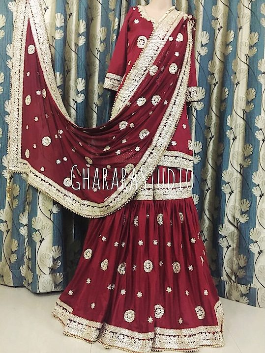 Silk Gharara in Maroon with Kundan and Zari handcrafted embroidery all over Gharara Kurti and dupatta.   🌈WhatsApp at +919971865919 to order 🌈Deliver complete stitched to your size  🌈Deliver Worldwide  #gharara #ghararastudio #ghararastudiobyshazia #ghararah #ghararas #ghararalove #ghararasale #fashionblogger #instafashion #fashiongirl #fashiongram #fashiondiaries #bridalgharara #partygharara #ghararafashion #buyghararaonline #orderonlinegharara #ghararadesign #ghararadesigner #ghararabeauties #fashionpost #muslimwear #muslimbride #muslimahfashion #silkgharara #silk #handcrafted