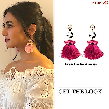 Make a statement a là Sonal Chauhan in our Striped Pink Tassel Earrings! ✨🙌🏻 http://bit.ly/2B962dp . . . . . #theredbox #crazysexycool #sonalchauhan #pinkearrings #tasselearrings #tassels #tasselearring #stripe #striper #getthelook #looks #lookatme #instastylist #state #statementearrings #statementjewelry #statementpieces #statementjewellery #actorslife #celeb #likeforfollowers #instafollowme #instafollowme #instafollower #fashionart #instafashionist #instafashionblogger #igshop #instashop #followings