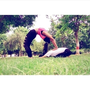 Goooooood morning💟friends.. Just 30mins every morning and it 'll charge up ur body.. Do it! If you don't want  to rely upon anyone when u r old.. ..stay fit. Stay happy... #kiranlohani #priyankatiwari  #yogaforlife . . . . #thefragranceofartistry  #lucknowblogger  #lovegetsloveinreturn #togetherness  #yogapants #babaramdev #fitness  #health #womenfitness #bloggersworldwide  #fitnessaddiction  #yogaeveryday  #yogaeverywhere #yogachallenge #yogainspiration #yogini