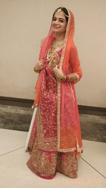 Styled this cute bride 👸 #Gauritaudiyawar... outfit #custommade jewellery #balmy #wedding #weddinginspiration #weddings #wedding-bride #indianbride #lehenga #lahengas #handwork #handwork-embroidered-bridal-lehenga #zardosiwork #colorfuldress #pinklove #dupatta #indianwear #indianbride #indianweddingfashion #indianweddingwear #indianweddingbuzz #roposotalks #roposo