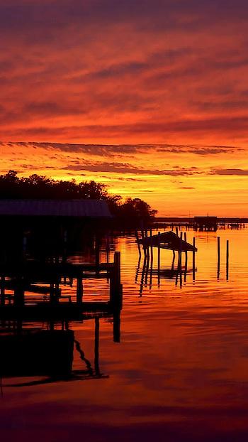 evening photography..sunset.. #sunset #sunset_pics #sunshine #yellow #photogram #phtographyislife #love-photography #photographers_of_india #photography #nice #excellet #great #river #water #reflection #lake #ponds #bridges