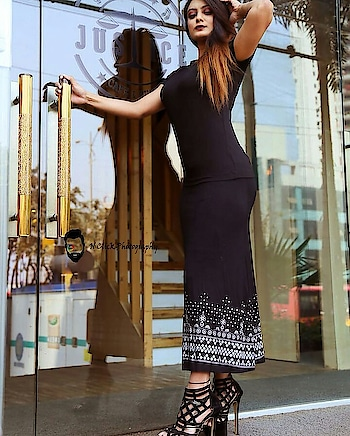 #gdmorning #fashiongirl #mode #photograph #hotel #rops-style #ropo-love #roposostar #filmystyle #roposo #love #blackdress