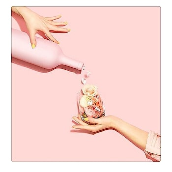 #HGSAYS 🌹 Hydrate your body with a glass of rosé and your skin with our rosey Sweet Enough Rescue Mask #rose #red #hydratedskin #hydrate #pink #skin #care #glow #dark #spot #sweet #luxury #body #luxurylifestyle #lifestyle #mask #roses #havishaaglobal #instagram