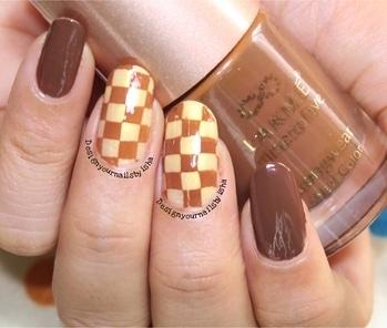 Chocolate Nails🍫🍫🍫  #designyournailsbyisha #ishanailart #nails #nailitdaily #youtuber #nailartchallenge #instanails #manicure #chocolatenails #choconails #chocolatenailart #roposonails #nailfashion #instanails #soroposo #stampingnailart #darkbrownnails #goldennails