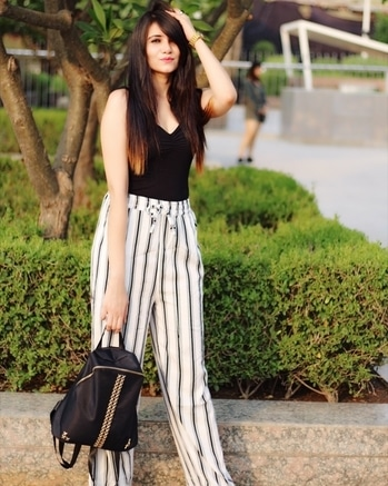 How to wear palazzo pants this season! New post is up amigos, don't forget to share your views. I always look forward to your comments.  Link is in the bio👆🏻 #delhifashionblogger #fashionblogger #fashionstylist  #indianfashionblogger #styleblogger #simpleandclassy #fashionblog #contentwriter #fashionandbeauty #instafollow #summeroutfit #whatiwore #ootd #aboutalook #palazzopants #howtowearpalazzopants #stripespalazzo #bodysuit #summerfashion #summeroutfits  #fashionblog #howtolookgood
