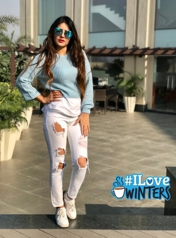 Aaj blue hai pani pani...Dil hai sani sani... Aajo meray naal.... Keep smiling .... Keep cheering Life is too short for worries..... Happy n sweet morning to all..... 💐💐💐💐 #Rehaa #Khann #DohaQatar #MyDubai #Mumbai #Bollywood #Tollywood #Model #Actress #Rehaablogger #Rehaaqueenlife #Rehaapublicfigure #Rehaastylefile #Rehaafashion #Rehaawithclass #Rehaafans #Business #Person #Media #Production #House🏡 #ilovewinters