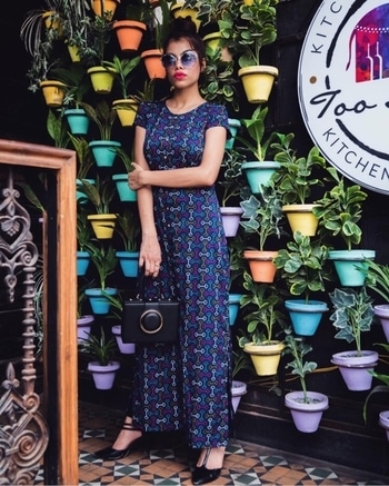Wearing- @iknowstudio 💕 Go and check the collection. #amazing #collection #goandcheckitout #fashionblogger #fashiondesigner #lovemyjob #fashioninsta #thankyouall #iknowcovergirl
