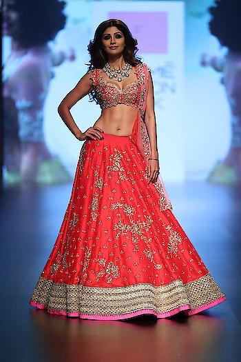 #bridematelehengadesigns#beautiful#indianfashionblogger#delhifashionblogger#lakmefashionweek
