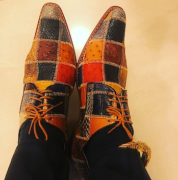 And my love for shoes continues 🙈🙈... #shoes #loveshoes #designershoes #stylishshoes #stylishshoesformen #shoesformen #style #mensstyle #footwear #footweardesigner #footweardesigners #unique #footwearlove #oneofitskind #♥♥♥♥♥♥♥♥♥♥♥♥ #cantresist