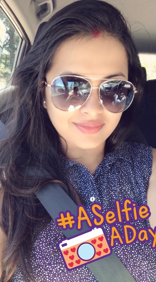 #travelmodeon #seatbelt #aviators #sheertop #hmfashion #fashionista #summer-style #followme #alcarefreemusings #beautyandfashion #aselfieaday #roposogal #roposostylefiles 💁🏻