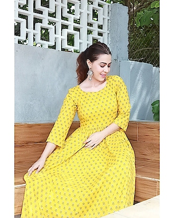 Everybody is nicer to me when I am in yellow.  In this beautiful dress by @idaho_o  📷- @hrithik_vyas  Thank you @actorpages_llp @naziyakamaal @jigar_actorpages   #idaho #indianwear #ethnicfashion #rosepuri_styleblog #rosepuri #ethinstyle #maxidress #indianlook #instagram #rosepuriidaho #yellowmaxidress