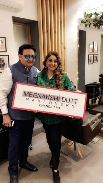 #meenakshiduttmakeoversdelhi #meenakshidutt #makeup #makeupstudio #chandigarh #umeshdutt