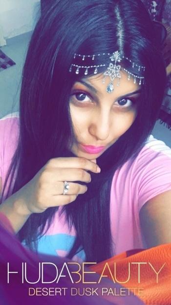 HUDA beauty DESERT DUSK ❤️ #mua #muaindia #makeupdream #muadelhi #muaworldwide #HB #hudabeauty #september2017 #thisfiltertho  #makeup