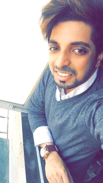 G R E Y  D A Z E 🕸  #selfie #selfienation #selfies  #TFLers #me#instagood #instaselfie #selfietime #face #life #hair #new#look#portrait #igers #fun #followme #instalove #smile #igdaily #eyes #follow