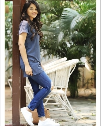 Casual days be like ✌🏻🤓 #myfashionconfession #popxoblogger #popxoblognetwork #casualwear #cotton #classic #modern #vintage #looks #fashion #style #blogger #love #indianblogger #chennai #hyderabad #mumbai #stylist #stylegram #styleblogger #aboutalook #lookbook #ootd #wiw #instagramhub
