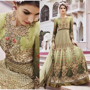 Single Green Partywear Crepe Anarkali Suit  Product Code - FCSS846 Available at www.fashionclozet.com  Watsapp - +91 9930777376 Email -  info@fashionclozet.com Or DM for enquiries.  #bridetobe #bridetips #fashionclozet #bride #bridalfashion #weddingtrends #fashion #weddingplanning #weddingreception #weddinglook #weddinglove #bridalhairstyle #bridalhairstylist #hairstylist #celebrityhairstylist #mua #bridalmua #celebritymua #brideandgroom #dulhan #dulhanfashion #nikah #anandkaraj #dreamcometrue #weddingphotography #fashionista #capedress #indianbride