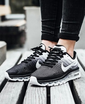 airmax 2k17❤️ eid offers❤️ available at store ✔️ price:-2999₹ sales team:-whatsapp:-8141420413 ✔️paytm/cod available ✔️best deals  grab it now💯