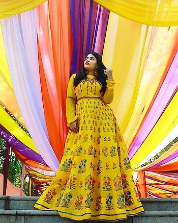 Well that's how I love Colors. 😍♥️🌞 . . . . . . .  Outfit : @kalkifashion 📸 : @diaphragmphotography  #weddingphotography #weddingdress #kalkifashion #colourful #ootd #ootdfashion #krittikasharma #weddingcouture