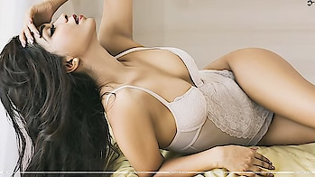 girl #longhair #white #bra #bikini #juicy #figure #fashionquotient