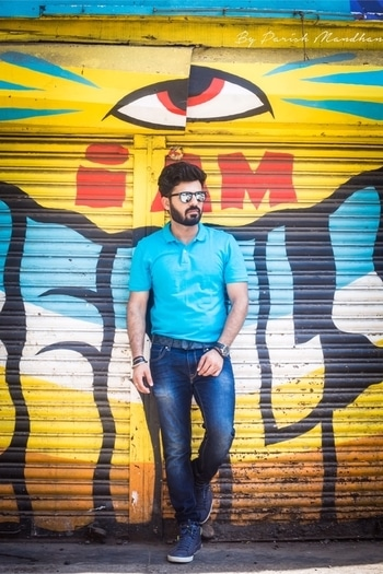 """Don't start with a lazy day, Dress well and kickstart your week in style!"" Tap to know what I wore! 👕👖  #📸- @parishmandhan who is from Indore and now shooting in Mumbai as well! - #HouseofClass #summers #beard #aviators #OOTD #weareexploraholic #groomme #istyleyouindia #bloggersofIndia   . . . . . . . . . . #bloggersofIndia #OOTD #mumbaifashionblogger #bloggerlife #bloggerstyle #bloggerdiaries #blogpost #Black #aviators #bloggingisfun  #bloggerwear  #beardlife #shootdiaries #mensfashion #menstyle #mensstyle #menfashion #ootdmen #beard #HouseofClass #Mumbai #Basics #wegroom #sssmagazine #weareexploraholic #roposo #soroposo #roposomen #roposofashion #streetstyle"