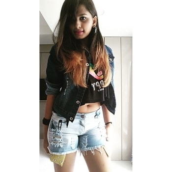 #SwipeRight I'm crazy for you, Lord knows what I'd do, I'd even die for you, Whatever you need, I'm down on my knees. Song :- Stupid love by @jasonderulo . So excited for the @timeout72official Concert in Goa.😍 . . . Outfit💡1️⃣ for concerts. Wore this muscle cropped tank top with shorts and a classic denim jacket and a plain black leather bracelet and black hoop earrings with black high top sneakers to give it a casual look. You can also add such small holo bag packs for a more street chic look. Tap the image for outfit deets. For makeup, I went for a normal eyeliner and kajal and some purple lipstick to add some spunk and drew a star 💫 to make it more concert like. Hope you like this outfit and stay tuned for more ideas. . . . #jawline #phoenixhair #indiastreetstyle #GroomingPEOPLE #Bloggerdiaries #elitefashionindia #popxocampus #PopxoDaily #ootdsurat #ootdmagazine #OotdChallenge #popxocampus #popxo #indian #indianblogger #fashionbloggerindia #fashionblogger #MUMBAILIFESTYLES #mumbaiblogger #PlixxoByPOPxo #PlixxoCampus #PlixxoBlogger #frappstudent #DenimDaze @wooplr