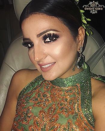Richer skin tones are the sexiest canvas for makeup!!! Lashes @artoflashesproduct and liquid lipstick by @hudabeauty Venus ✨✨✨✨✨✨✨✨✨ #liquidlipstick #lashesonfleek #falselashes #richskin #partymakeup #indianblogger #indianmakeup #weddingdiaries #makeuptutorial #browsonfleek #highlighter #liveglamco #liveglam #laurag_143