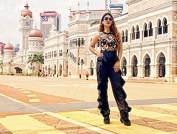 Kuala Lumpur City Gallery Malaysia 🇲🇾 #klcitytour time💃 : #malaysiatravelwithnehamalik 😍 : Outfit @sheinofficial , use my code NEHAMAL to get amazing discounts  Outfit search code - 468502 Search id -https://goo.gl/vwPqcb 💃💃 : #kualalumpur #malaysia #city #citytour #travelblogger #travel #travelholic #travelgirl #travelgram #luxury #traveller #luxurytraveller #luxurytravel #travelandlife #ootd #shein #sheinofficial #nehamalik #model #actor #diva #blogger #instagood #instalike #follow #instatravelling #instafollow