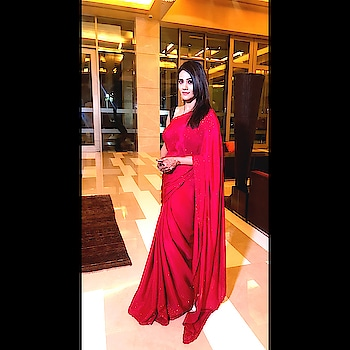 #indian #redsaree #kajalpisal #elegant #shaadi #amritsardiaries #blogger #fashion #basics #ropo-beauty #roposo